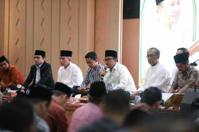 Menpora Imam Nahrawi hadir dalam acara buka puasa bersama dengan stakeholder Olahraga, di Wisma Kemenpora Senayan, Jakarta, Jumat (17/5). (Kemenpora)