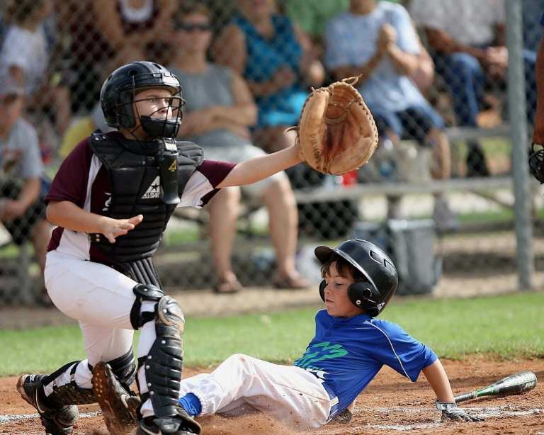 What size baseball glove do I need?