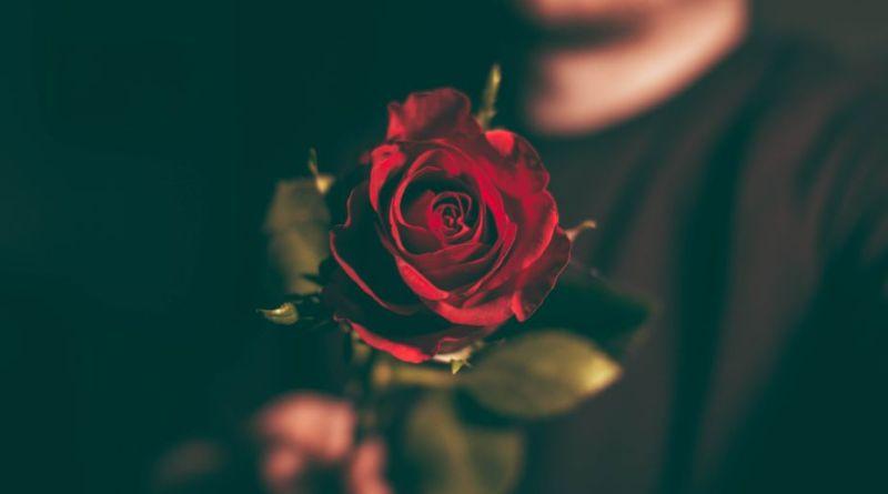 Iza om romantik: Derfor hader jeg Valentinsdag