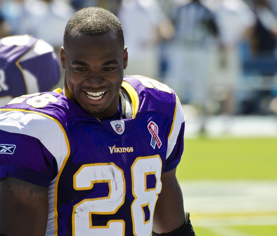 NFL+in+no+rush+to+resinstate+Adrian+Peterson+