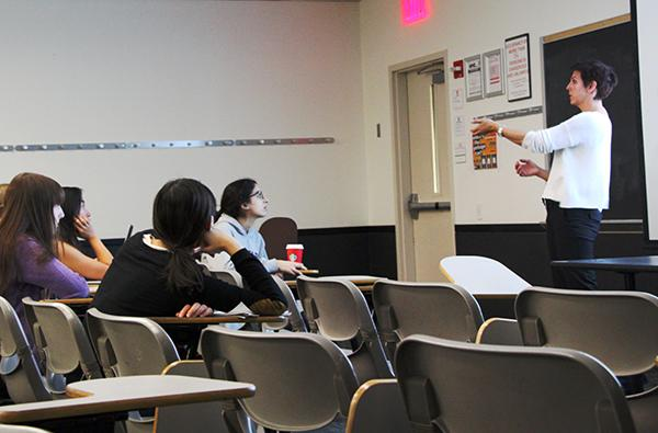 The Women in Science hosted their fall lecture, discussing and tracking viral outbreaks.