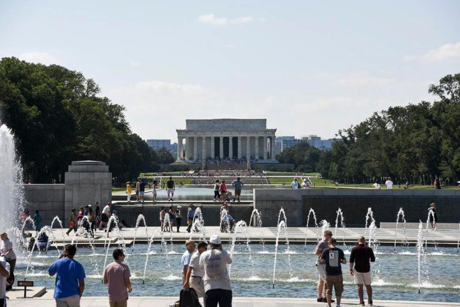 View of the Lincoln memorial from the World War 2 memorial.