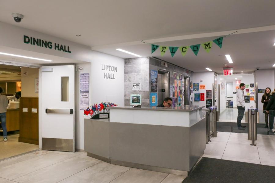 NYU+student+Aneri+Mehta+led+a+campaign+with+the+Animal+Welfare+Collective+to+create+a+plant-based+pop+up+at+Lipton+dining+hall.+For+a+whole+week%2C+the+dining+hall+served+vegan+food+to+be+more+sustainable+and+healthy.++
