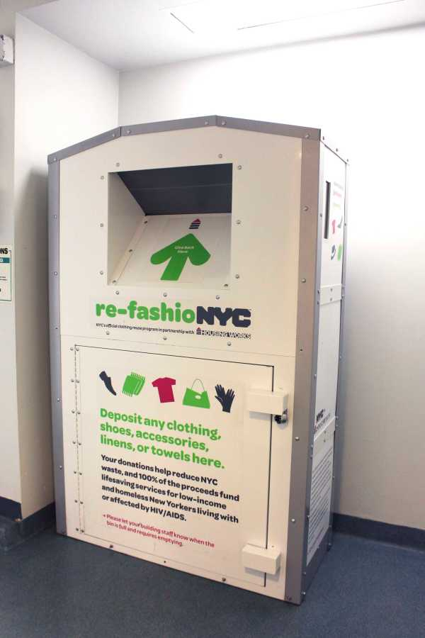 Third+North%E2%80%99s+laundry+room+holds+a+re-fashioNYC+recycling+point+%E2%80%94+16+other+halls+have+joined+this+initiative.+The+re-fashioNYC+program+promotes+the+recycling+of+clothing%2C+the+majority+of+which+is+not+biodegradable.