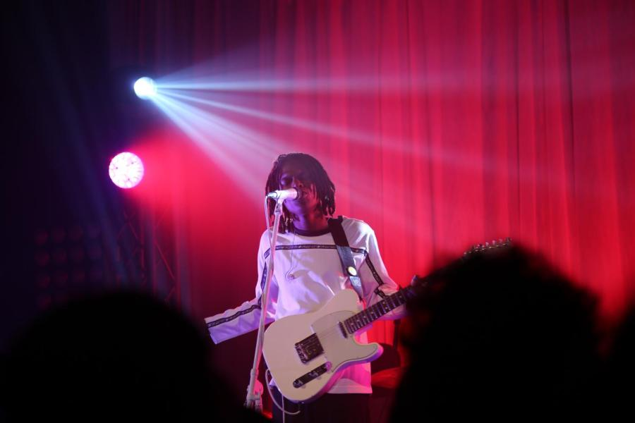 """Daniel Caesar performed at the Music Hall of Williamsburg on Nov. 22 for his """"Freudian"""" world tour."""