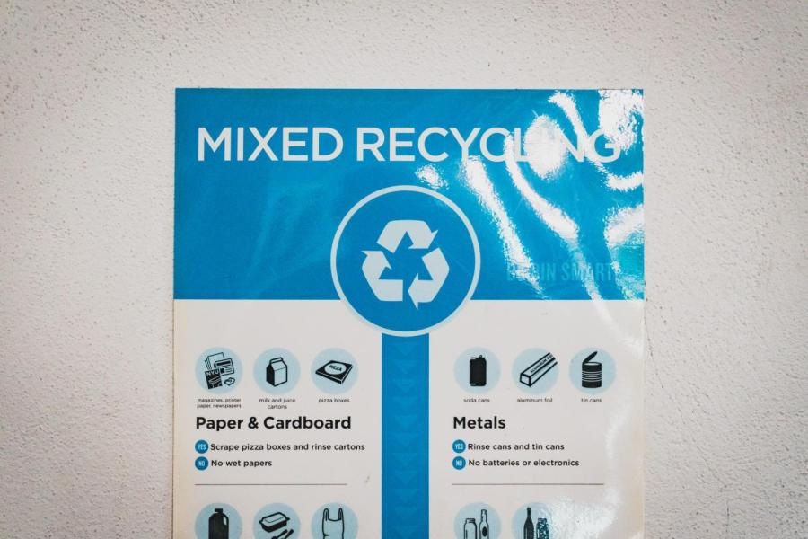 """A """"mixed recycling"""" sign in Third North."""