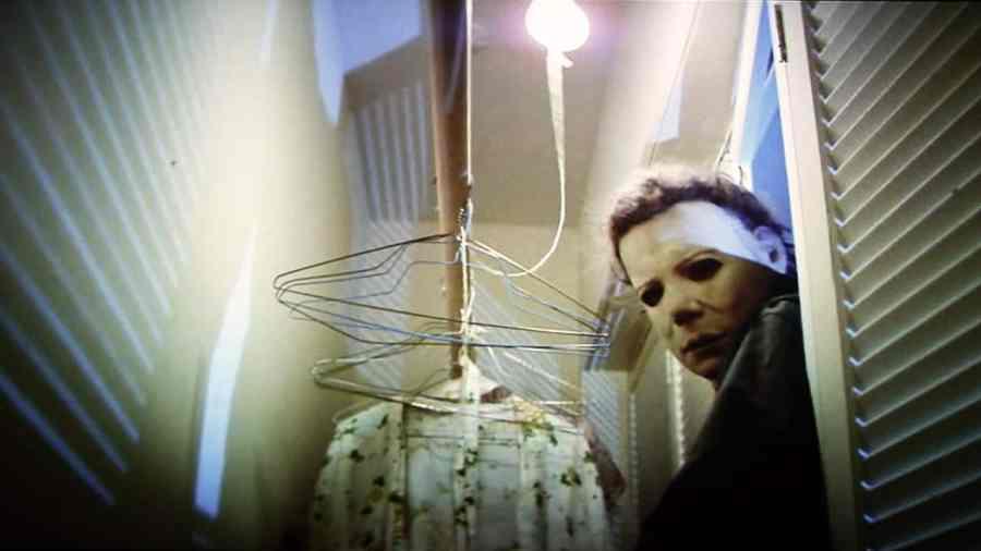 Masked serial killer Michael Meyers in