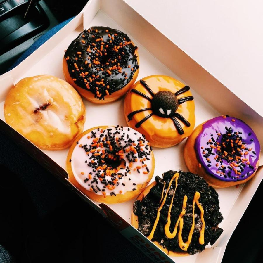 Dunkin%E2%80%99+Donuts+is+one+of+the+many+food+spots+to+bring+in+the+Halloween+spirit.%28Via+Twitter%29