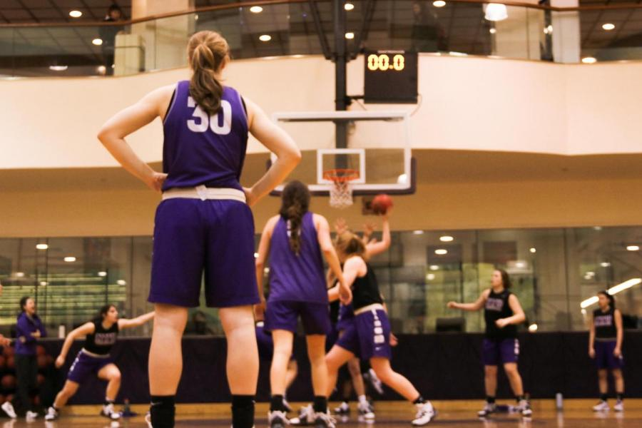 The Women's Basketball team practices in Palladium Gym. The NYU Violets qualified for the NCAA Division III Championship Tournament. (Staff photo by Alex Tran)