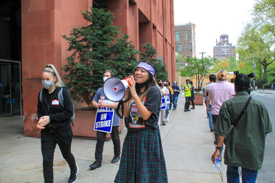 A GSOC member leads chants on the fourth day of GSOCs picket line.