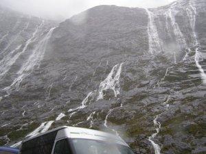 12th jan 雨の日のミルフォードサウンド クレダウ渓谷