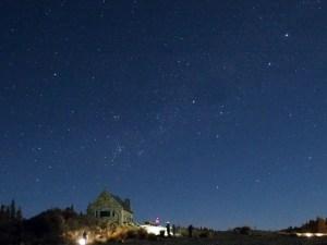 テカポ良き羊飼いの教会と月夜の星空