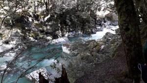 ルートバーン渓谷の清流4月12日