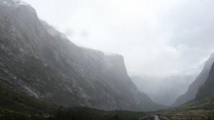 4月29日ミルフォードサウンドへの道のり、クレダウ渓谷