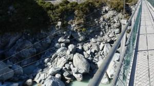 9月3日フッカーバレートラック修復後の第2の吊り橋