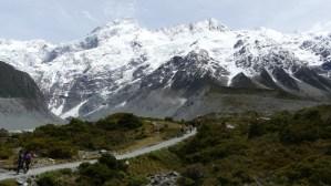 マウントクックフッカーバレートラック11月22日2番目のミューラー氷河湖見晴らし台後