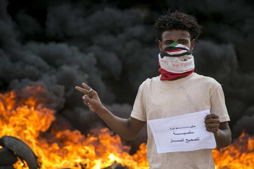 L'Association des professionnels soudanais rejette la fermeture des ponts et des routes de Khartoum au milieu d'appels à la protestation - Middle East Monitor