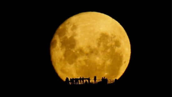 Full Moon Silhouettes – markg.com.au | visual effects > photography > videography