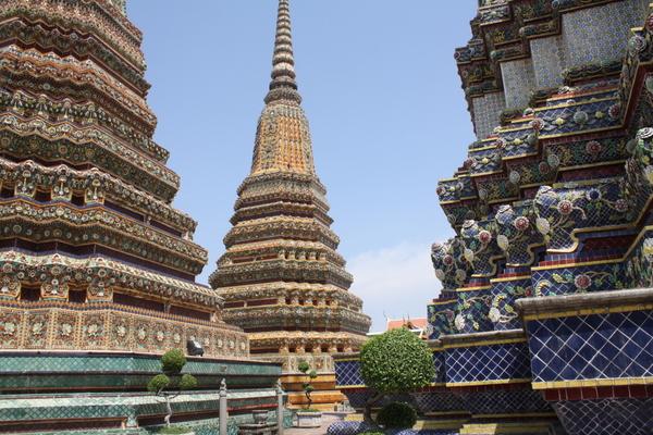 wat pho bangkok temple