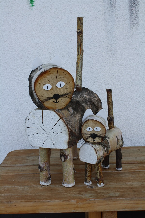 cute wooden carved animals schone aussicht