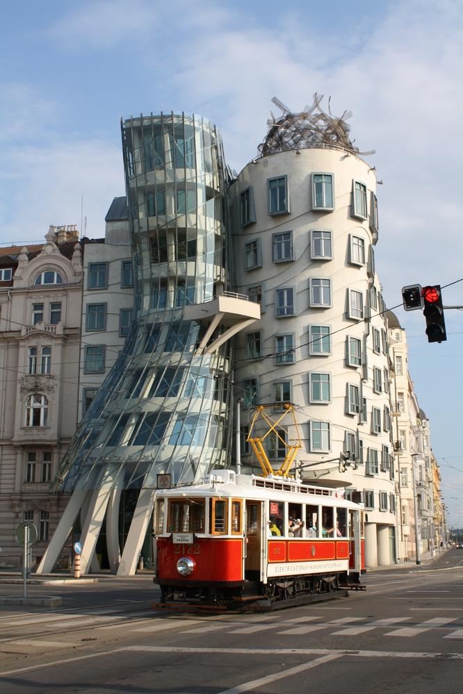prague dancing buildings
