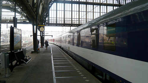 trains vs planes - best way to travel?