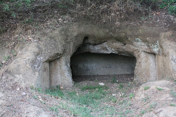 etruscan tomb cave