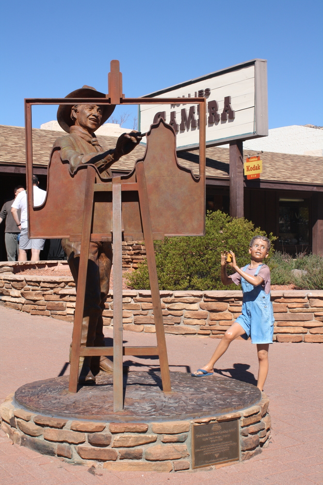 sedona statue