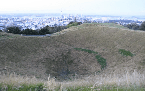 view from crater mt eden auckland