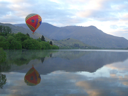 balloon lake hayes, nz