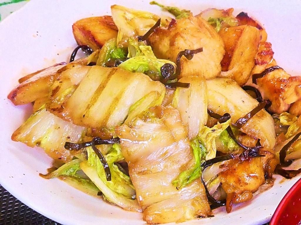 鶏胸肉と白菜の塩昆布炒め