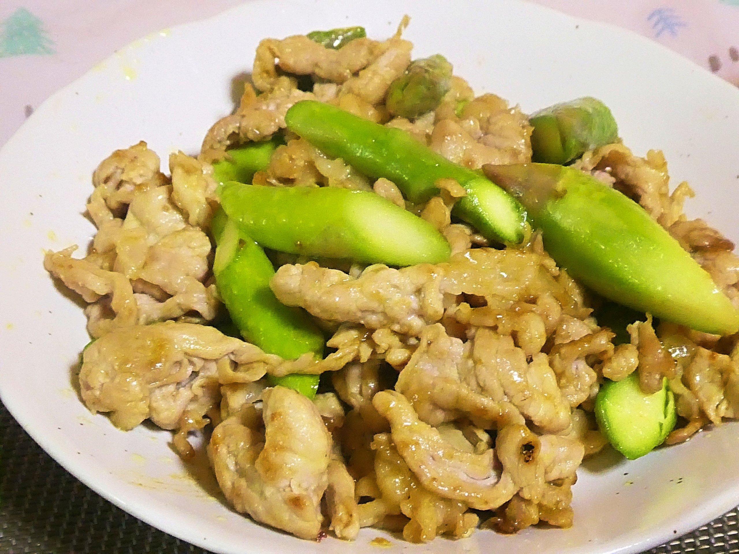 豚肉とアスパラのカレー炒め