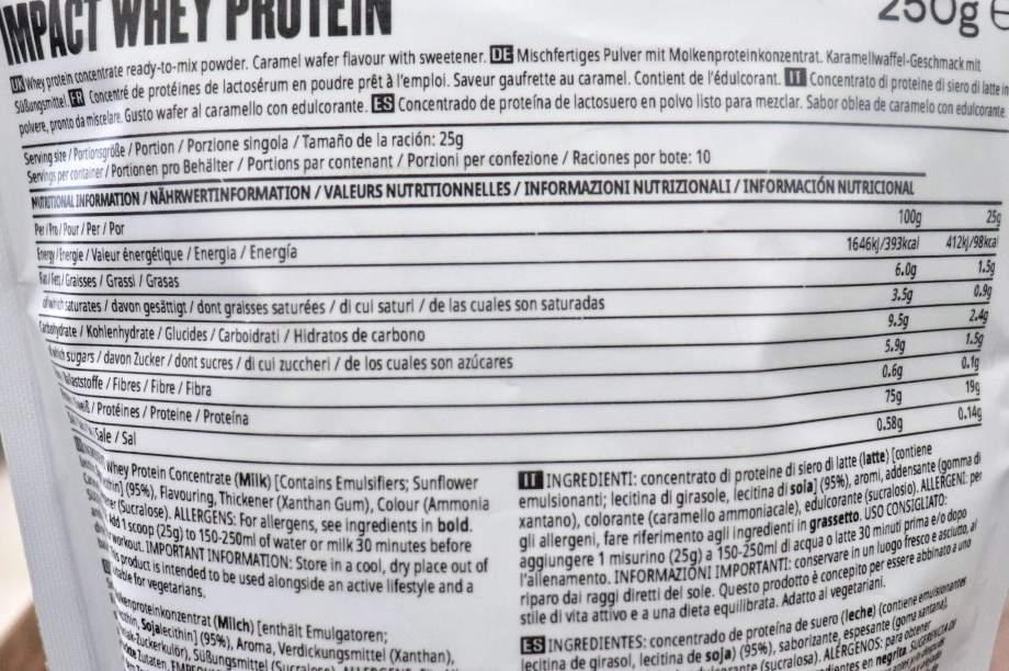 マイプロテイン ワールドキッチンシリーズ ストロープワッフル味 栄養成分表示