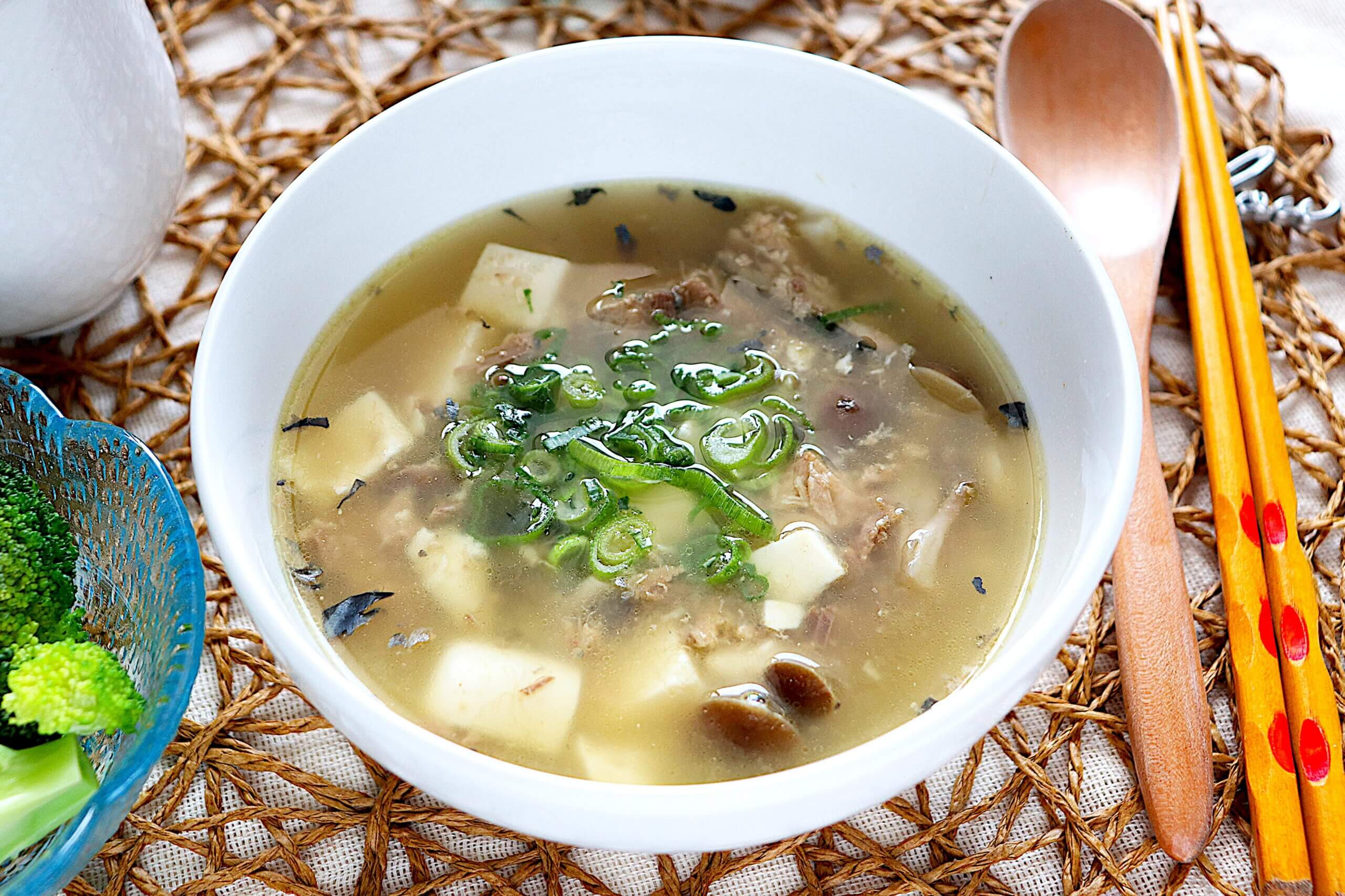 サバ缶と豆腐のとろろ昆布スープ