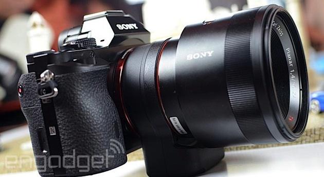 Sony Alpha 7/7R camera