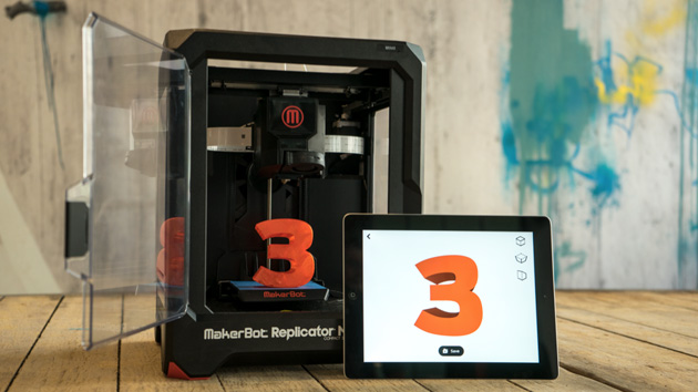 MakerBot Replicator and an iPad running PrintShop