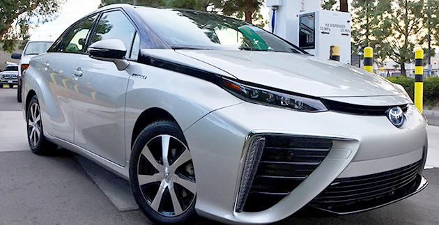 La settimana di Inhabitat nel verde: hoverboard magnetico, robot del cartone e un campeggiatore di Toyota Prius