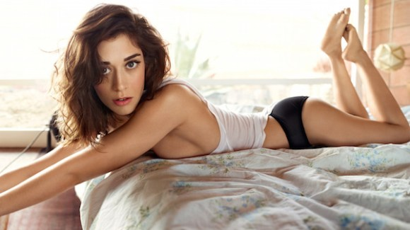 12 actors who should have won an emmy, actors who never won an emmy, lizzy caplan