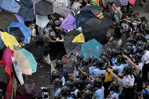 Protestors face police in Hong Kong's pro-democracy protests