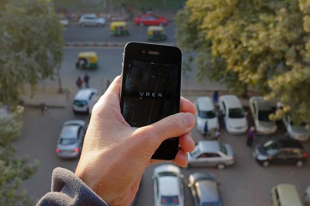 Prove di Uber per vincere indietro lIndia con sicurezza migliore del passeggero