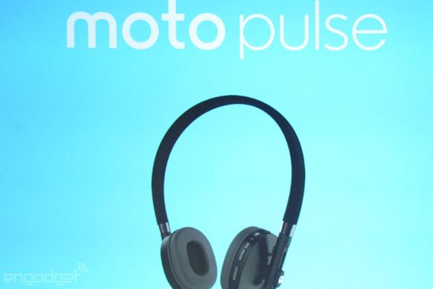 Moto Pulse headphones