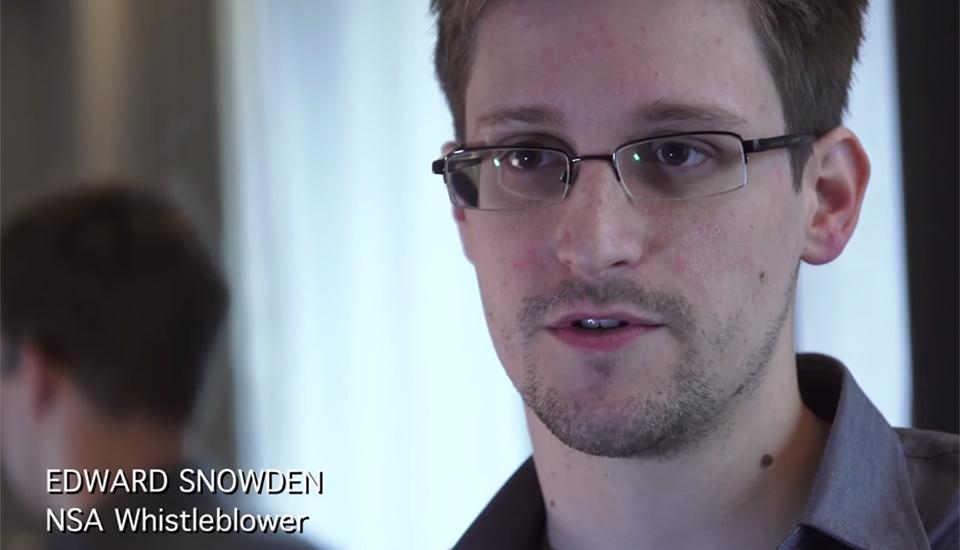 """""""Citizenfour"""" offre affascinare, vista stretta delle perdite del NSA di Edward Snowden"""