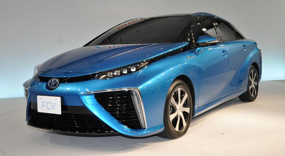 Lautomobile dellidrogeno di Toyota ottiene un nome e più stazioni di servizio degli Stati Uniti