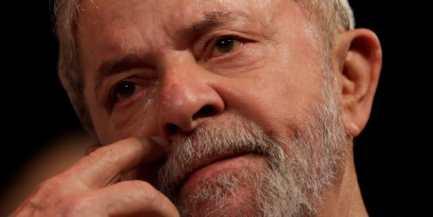 Resultado de imagem para Lula triste