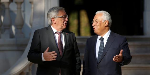 El primer ministro de Portugal, Antonio Costa, recibe en el palacio de Sao Bento de Lisboa (sede del Parlamento) al presidenta de la Comisión Europea, Jean-Claude Juncker, el pasado treinta de octubre.
