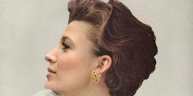 L'artiste suisse Ivo von Niederhäusern photoshope Blake Lively qui devient modèle pour un magazine des années 1950, et elle le remercie.