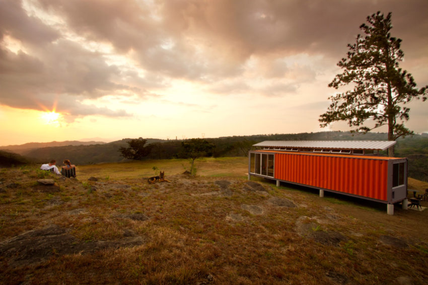 Containers of Hope, a $40,000 Home by Benjamin Garcia Saxe