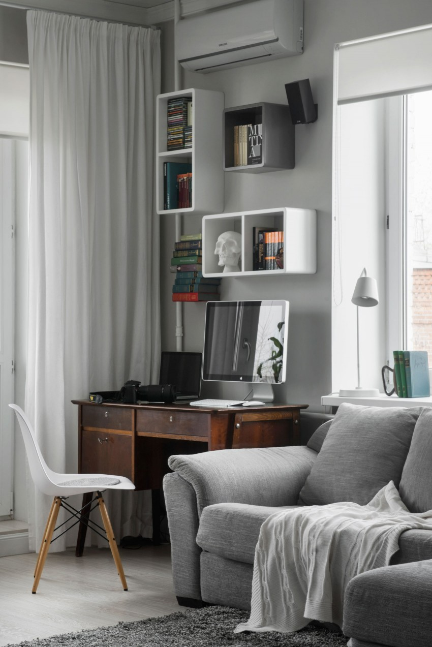compact bachelor haven in moscow living | Compact Bachelor Haven in Moscow by M2 Project