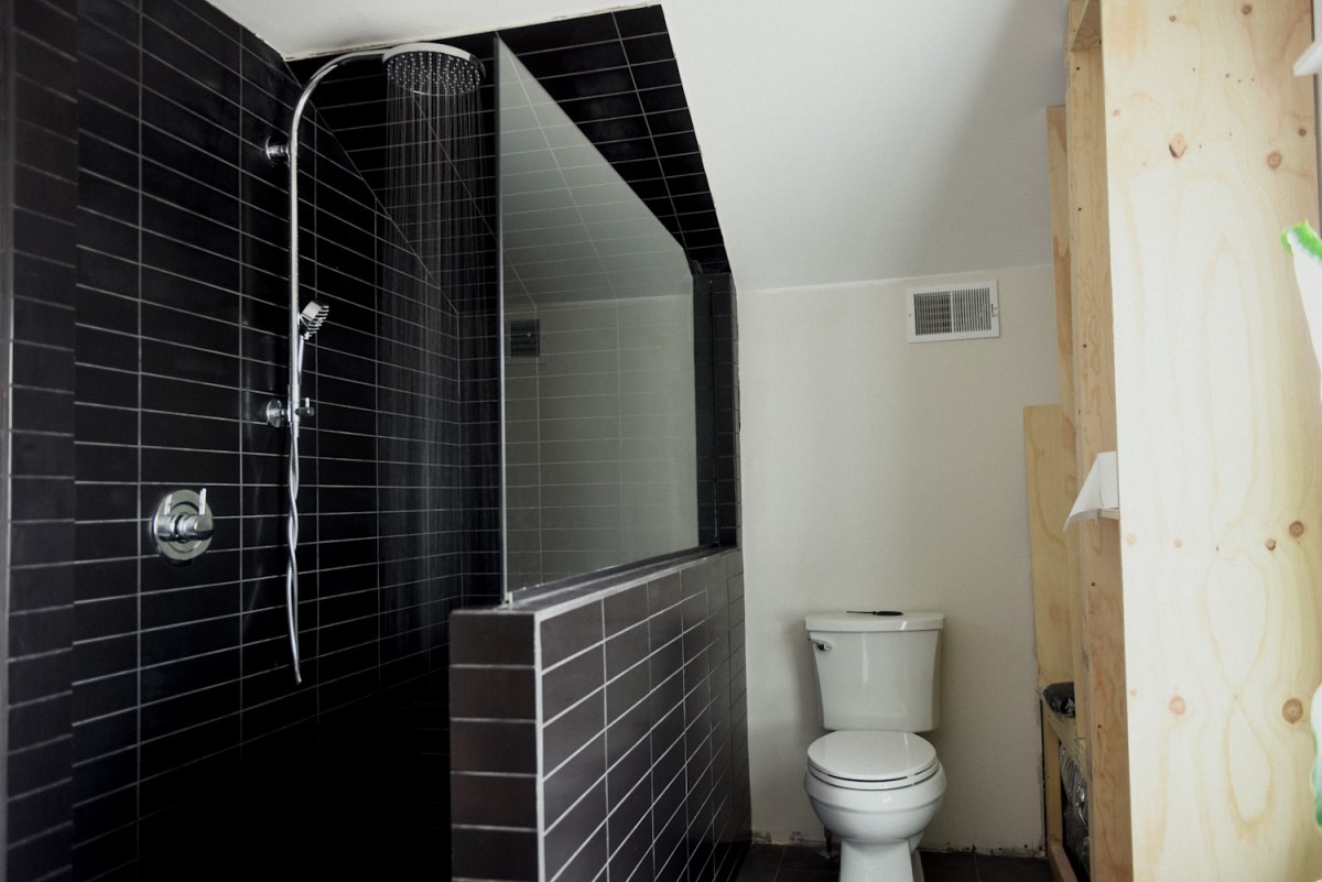 Are Doorless Showers Cold Debunking The Myth Oak Abode