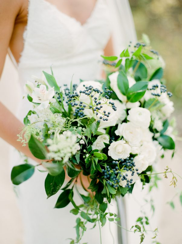 White and blue bouquet by Oak & Lily Flowers Photo by Brittany Mahood r-wedding332